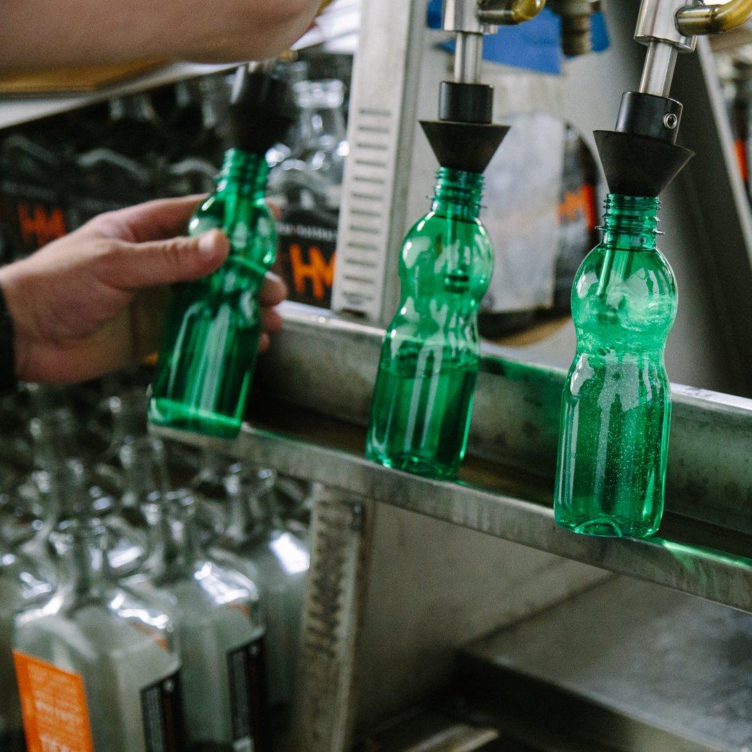 SixBLabels_HM_Sanitizer_April2020_web-0037_bottling_PhotosbyLaurenMcClure
